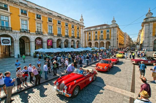 O London-to-Lisbon Classic RALLY faz a festa este Domingo