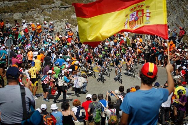 Ja se imaginou estar na Vuelta num carro de apoio de uma equipa? Saiba como ganhar este premio único.