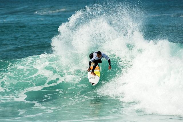 Costa da Caparica elevada a capital europeia do surf