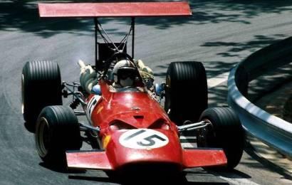 Ferrari regressa às origens