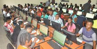 Some stakeholders in the education sector, including the Nigeria Union of Teachers, All Nigeria Confederation of Principals of Secondary Schools, and the National Parent-Teacher Association of Nigeria have expressed divergent opinions on age limit for candidates, who want to sit the Unified Tertiary Matriculation Examination at 16 years.