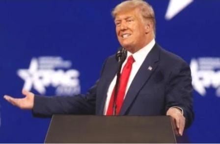 आता अमेरिकेचे माजी राष्ट्राध्यक्ष डोनाल्ड ट्रम्प यांनी चीनवर निशाणा साधताना चीन ने नुकसान भरपाई द्यावी अशी मागणी केली आहे.
