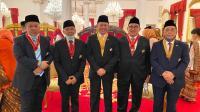 Bamsoet dan Para Tokoh Menerima Terima Tanda Jasa dan Tanda Kehormatan Republik Indonesia