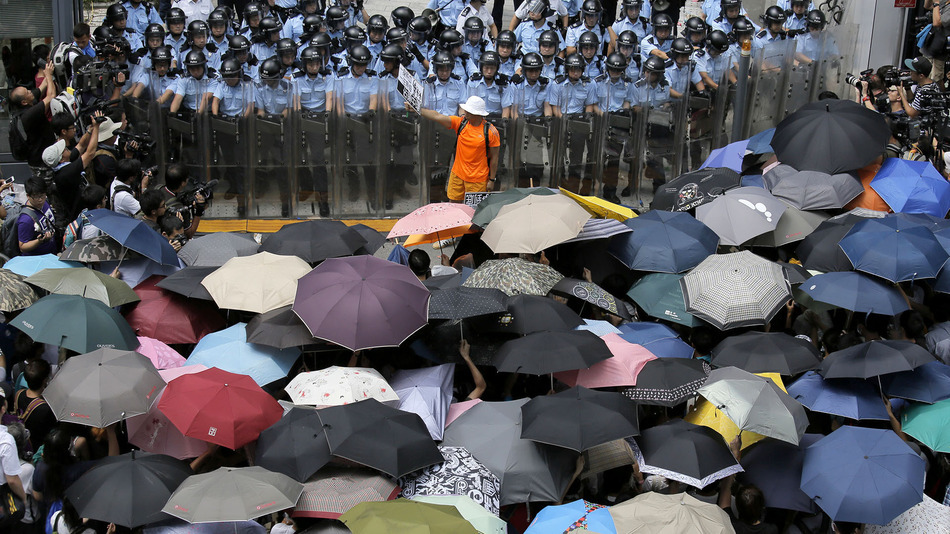 https://i2.wp.com/newsrescue.com/wp-content/uploads/2014/10/umbrella-revolution.jpg