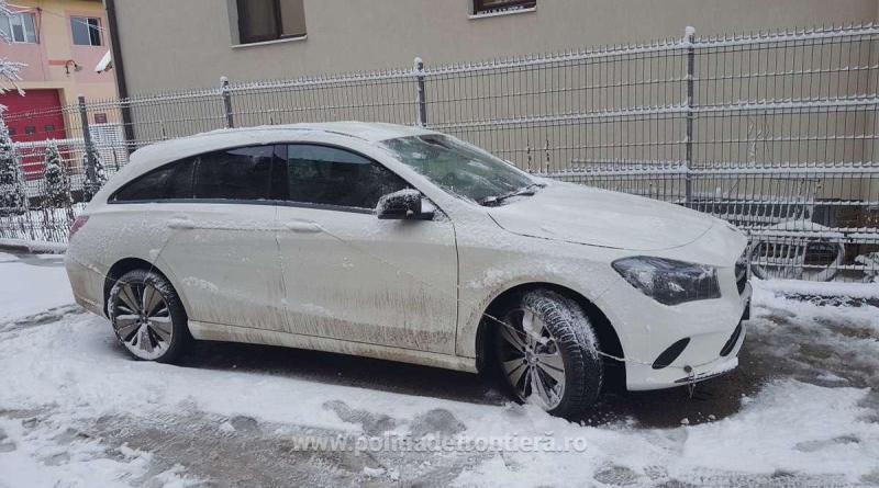 Mercedes căutat în Italia, găsit de polițiștii de frontieră români