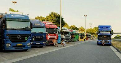 Nomazii autostrăzilor. Afacerile murdare cu șoferii de TIR din Europa de Est