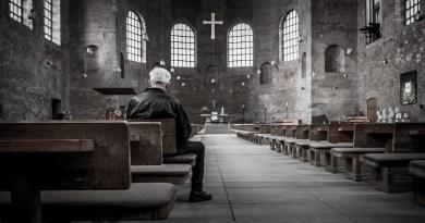 Rugăciunea TATĂL NOSTRU va fi modificată. Papa Francisc este de acord