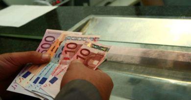 Românii care trăiesc în străinătate vor putea transfera bani în ţară fără să plătească comisioane