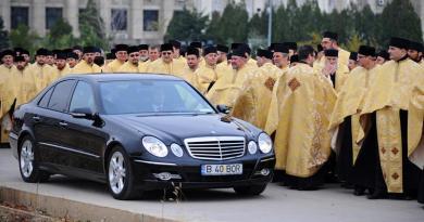 Un preot ortodox recunoaște că Biserica are departament de filaj, supraveghere și o listă neagră