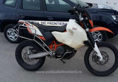 Motocicletă căutată de autoritățile din Austria, găsită la frontiera română într-o autoutilitară