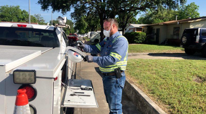 CPS Energy gas repair crew