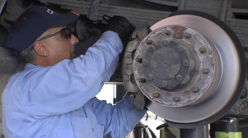 CPS Energy mechanic performs fleet maintenance