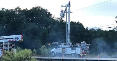 CPS Energy Crew working on electric lines during the storm