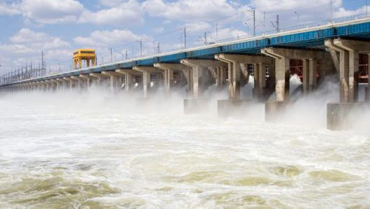 Can pumped hydro storage and solar thermal plants provide a solution to security of power supply?