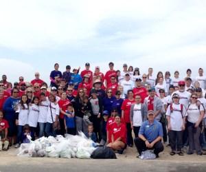 beach cleanup participants