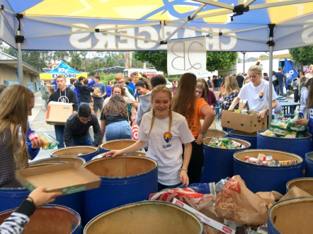 El Toro High students sort cans of food