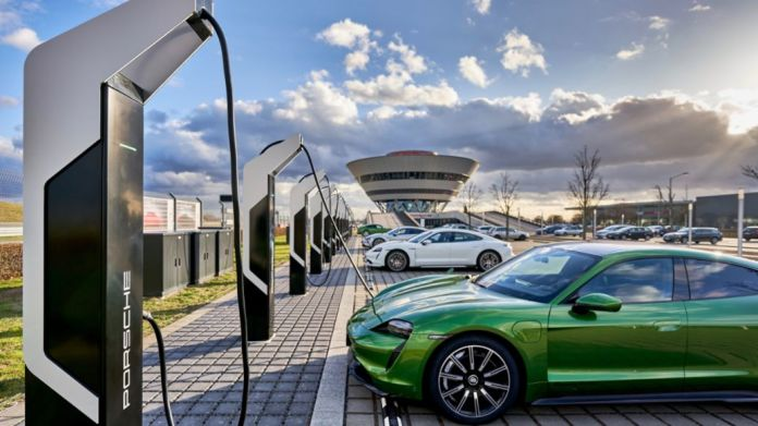 Porsche Turbo Charging, Taycan 4S, Rapid-charging park, Leipzig, 2020, Porsche AG