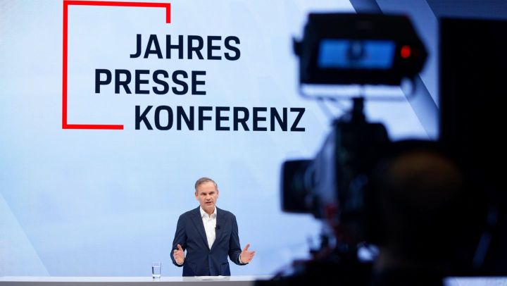 Oliver Blume, Chairman of the Executive Board, annual press conference, 2020, Porsche AG