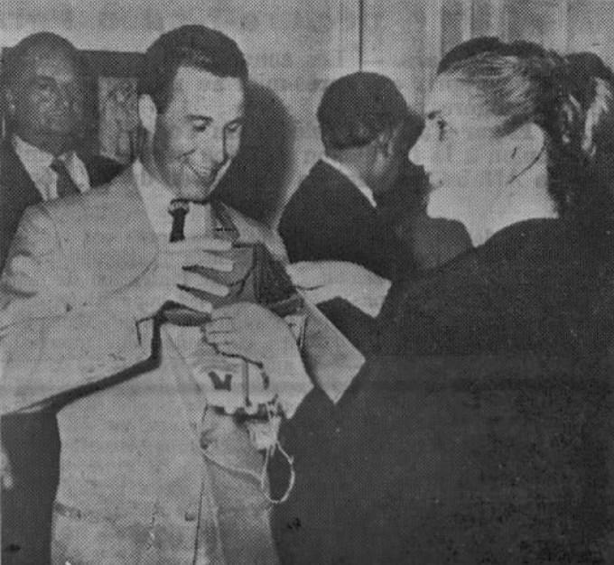 First Lady Zalfa Chamoun gives Lebanon, Nebraska representative, Charles Harris, a cedrus libani sapling. | Source: LebanonUSA