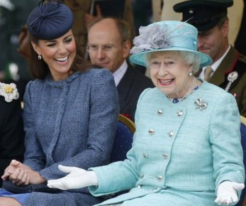 Кейт Миддлтон: Королева тянет лицо, чтобы заставить Кейт смеяться-свидетельство их связи, говорит Джеймс