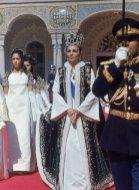 Торжественный выход императрицы из дворца после коронации