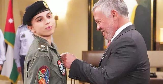 Photo of 19-летняя принцесса Сальма стала первой женщиной-пилотом в Иордании
