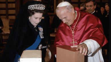 Photo of Сорок лет со дня исторического визита королевы Елизаветы II в Ватикан
