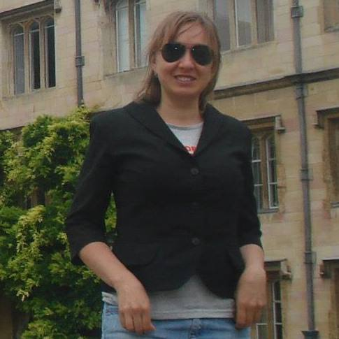 Олена Александрова