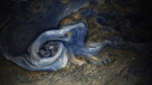 Нереальний Юпітер: вир у хмарах планети подібний до живопису Ван Гога