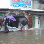 Flood waters will begin to recede once tide changes   -State Minister