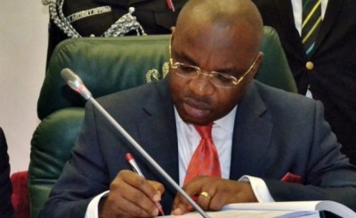 Udom Emmanuel e1451844335646 - Akwa Ibom present ₦670.7 billion as 2019 budget
