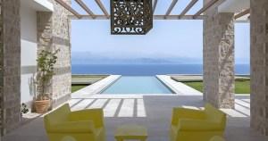 Αυτή η μονοκατοικία στην Μεσσηνία βρίσκεται μια ανάσα διπλά από την θάλασσα