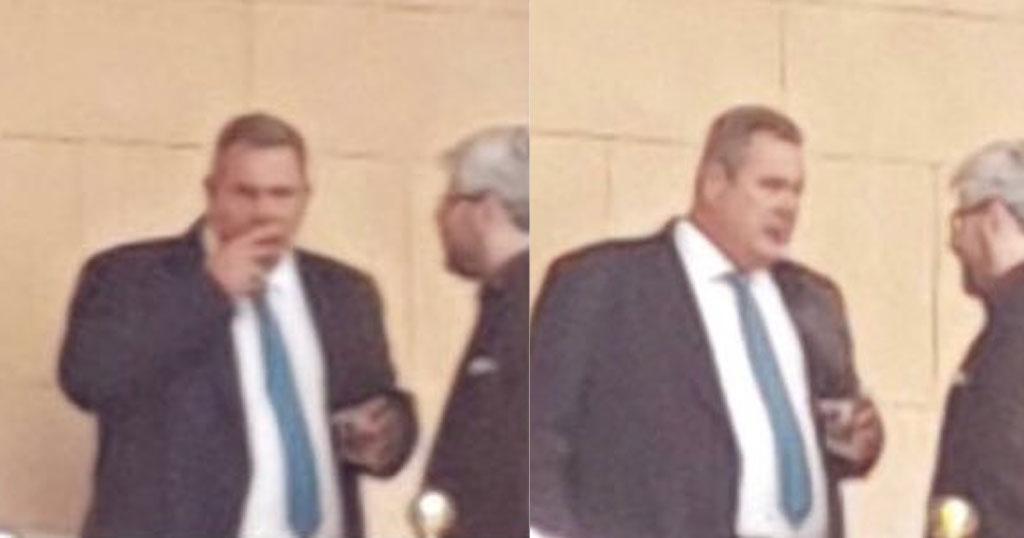 Ο Πάνος Καμμένος πίνει ουίσκι στο προαύλιο της Βουλής