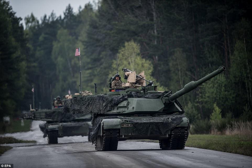 Σκηνικό έντασης στην Αν. Ευρώπη: Μυστικές μετακινήσεις νατοϊκών στρατευμάτων σε Σλοβακία-Τσεχία – Κατάρριψη ρωσικού drone από τους Ουκρανούς