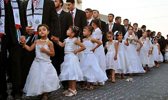 Ρουμανία: Γάμος Ρομά ανάμεσα σε μία 8χρονη και έναν 10χρονο – Βίνετο Σοκ