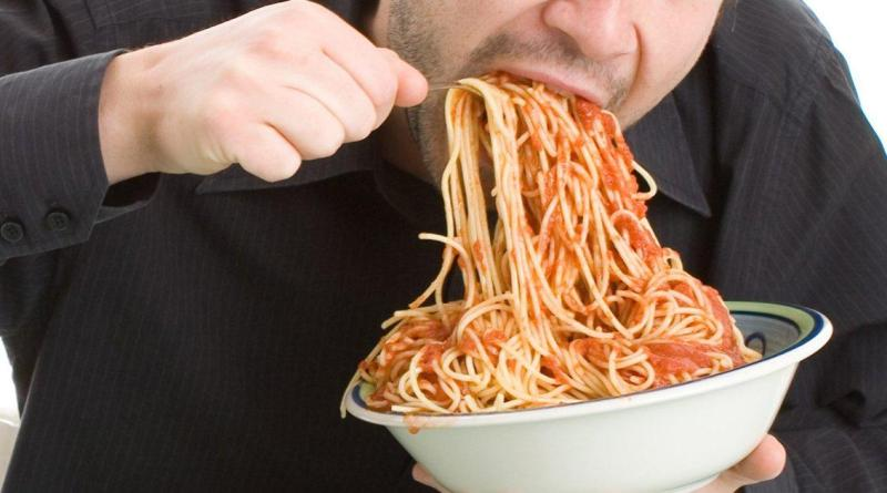 Speed eating can lead to obesity and heart disease: study 8