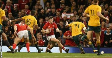 Beale's steal helps slick Australia to 13th straight win over Wales 2