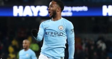 Last-gasp Sterling strike extends Man City's winning run 1