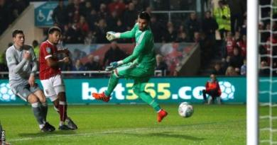 Bristol City knock holders Manchester United out of Carabao Cup 2