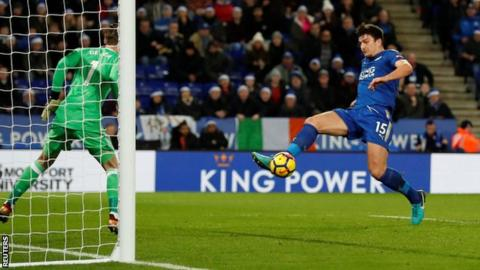 'Childish' errors & 'joke chances' annoy Mourinho after draw at Leicester 1