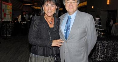 Toronto billionaire, wife found dead in possible murder-suicide 3