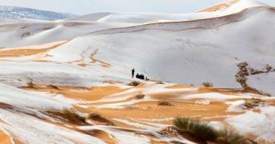 These Photos of Snow in the Sahara Look Like Something Out of Star Wars 4