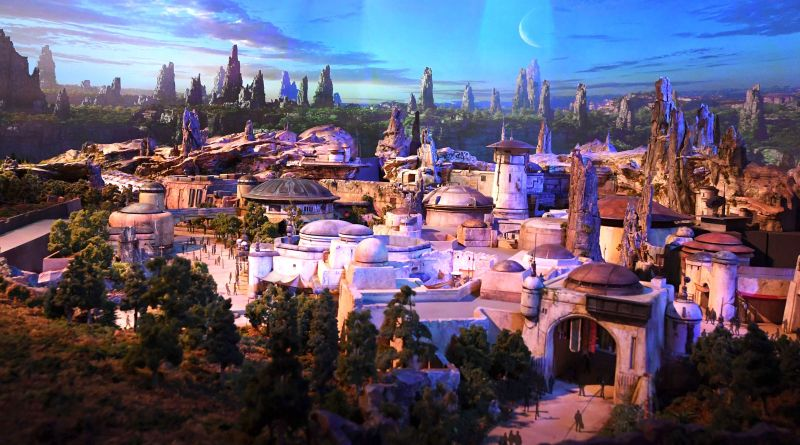 "Disney's 'Star Wars' Park Might Make You One of Those Adults Who Are a Little Too ""Into"" Disneyland 6"
