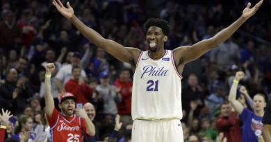 Joel Embiid is trying to go out with Rihanna again 3