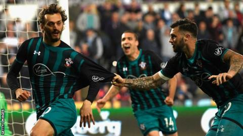 Southampton take big step towards safety with win at Swansea 6