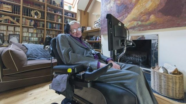 Stephen Hawking's Memorial Service Will Be Open to Time Travelers 1