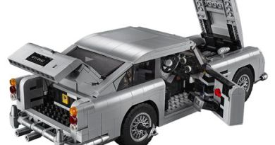 LEGO Is Making a James Bond Aston Martin DB5 Complete with Tire Slashers and Ejector Seat 3