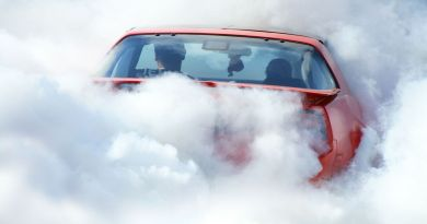 It Only Took One Hour for Canada to Issue Its First Ticket for Smoking Weed in a Car 2