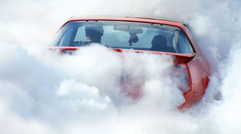 It Only Took One Hour for Canada to Issue Its First Ticket for Smoking Weed in a Car 4