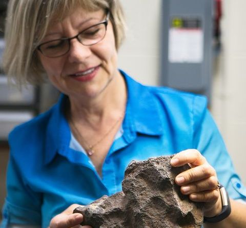 A Rock Used as a Doorstop Turned Out to Be a Meteorite Potentially Worth $100,000 2